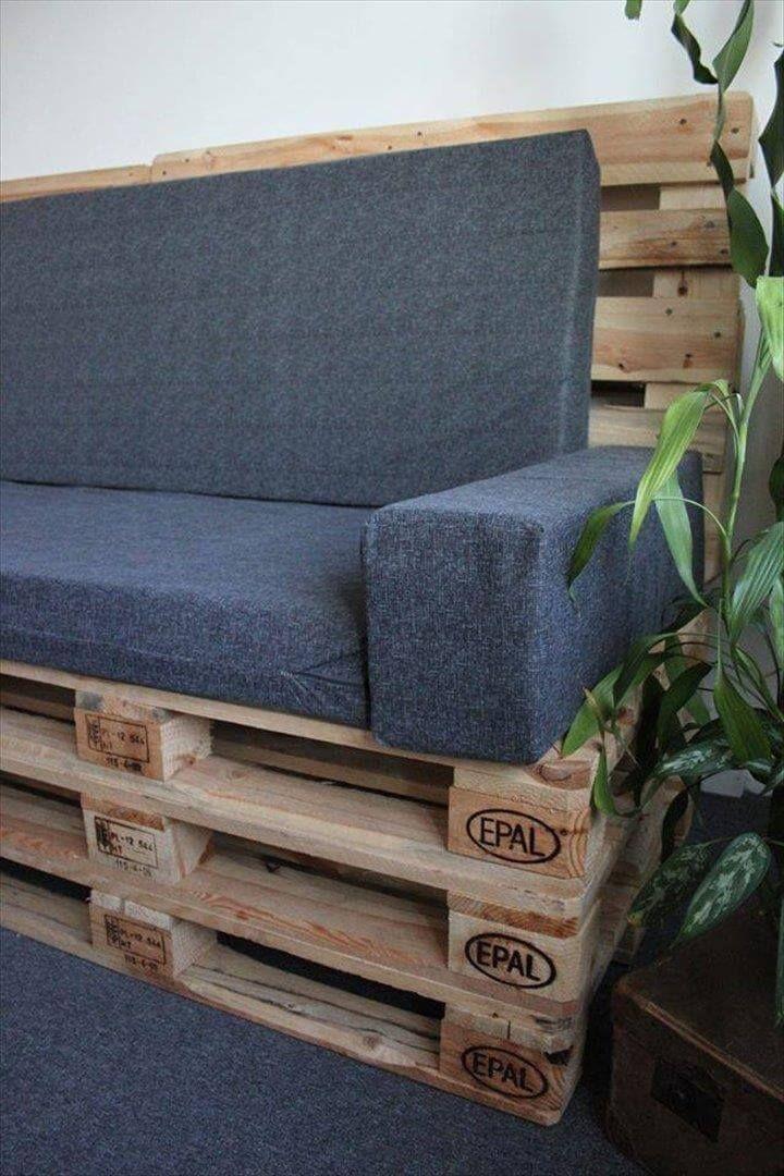 diy upholstered pallet settee pallet sofa 99 pallets