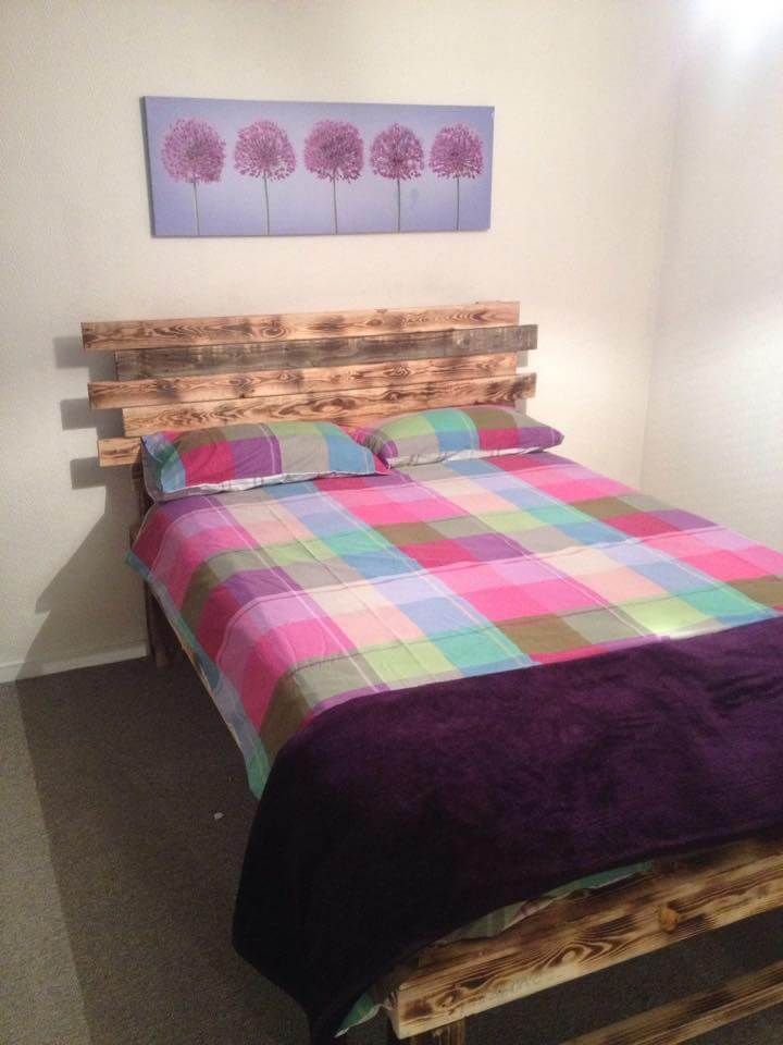 Diy pallet bed with headboard 99 pallets - Palette bois tete de lit ...