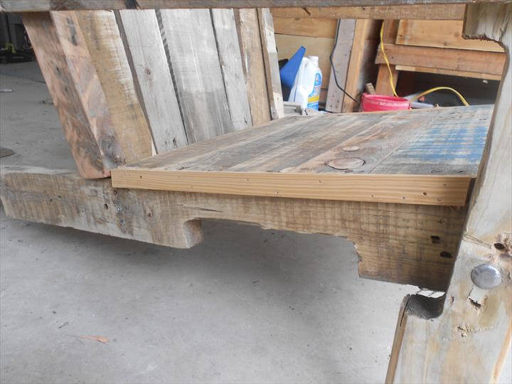 DIY Antique Pallet Adirondack Chair – Pallet Adirondack Chairs