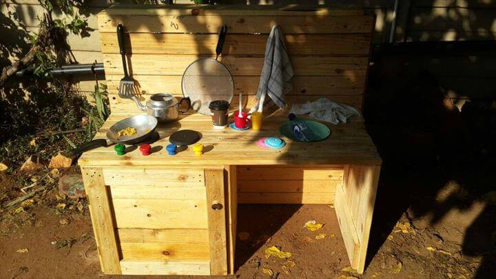 upcycled pallet mini kids kitchen