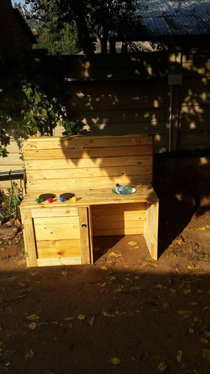 Diy Pallet Kids Outdoor Kitchen