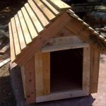 DIY Chevron Doghouse Made of Pallets