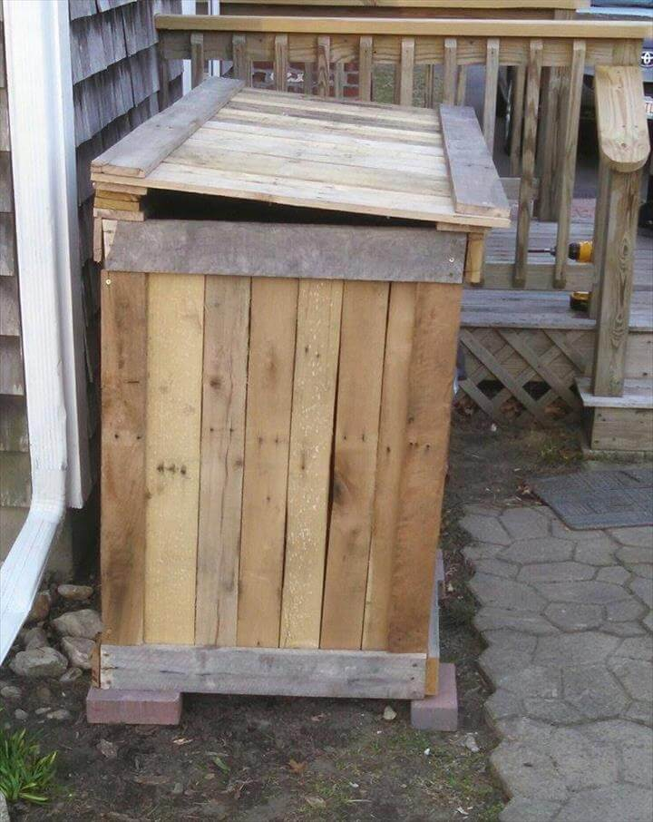 wooden pallet trash can holder