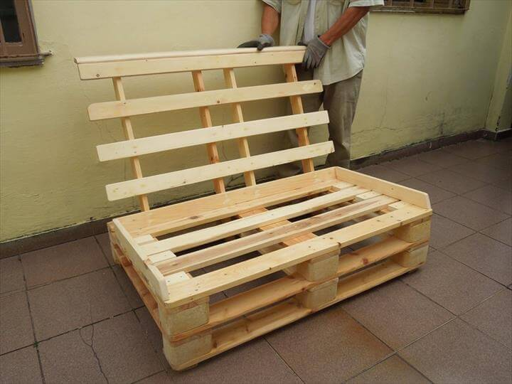Build Pallet Sofa with Cushion: DIY Tutorial   99 Pallets