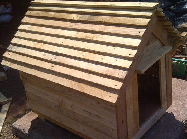 DIY Chevron Doghouse Made of Pallets 99 Pallets