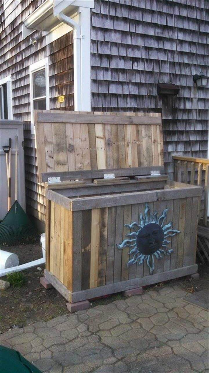 diy pallet trash bin holder