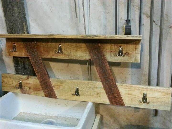 Diy Pallet Coat Rack And Shelf 99 Pallets