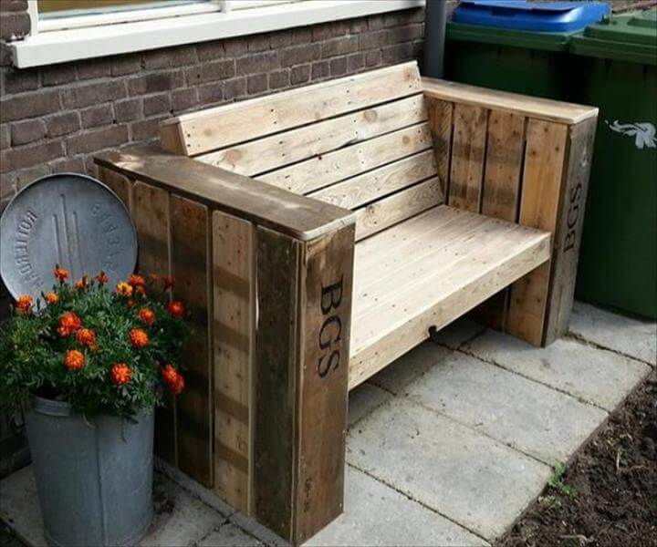 recycled pallet outdoor bench