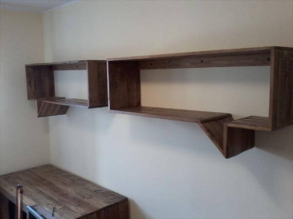 Diy pallet shelves and wall organizers 99 pallets for Pallet floating shelves