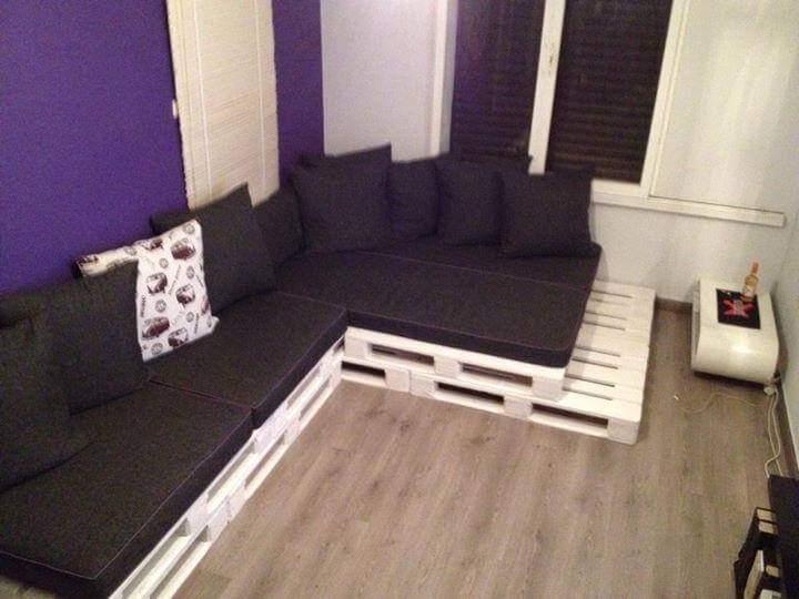 recycled pallet white painted whole pallet L-sofa