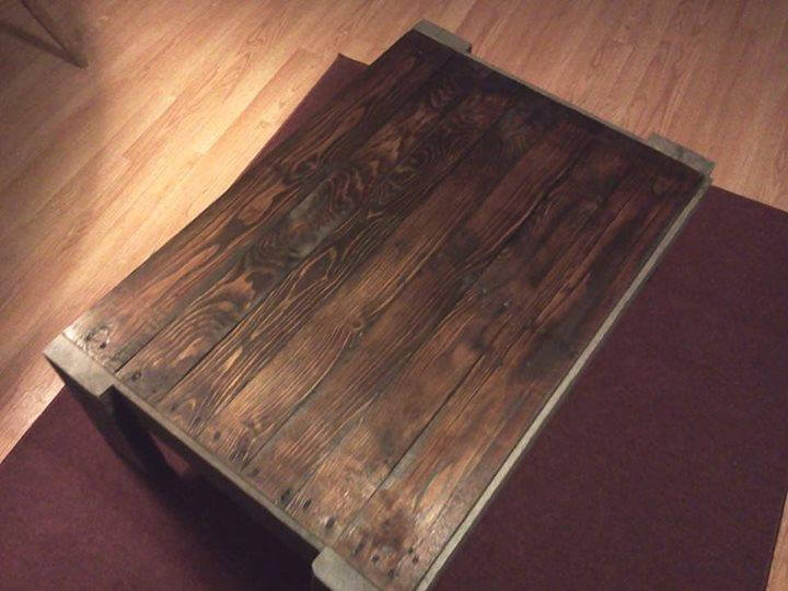 pallet coffee table with black stain finish | 99 pallets