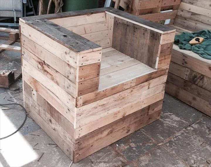 reclaimed pallet sturdy chair