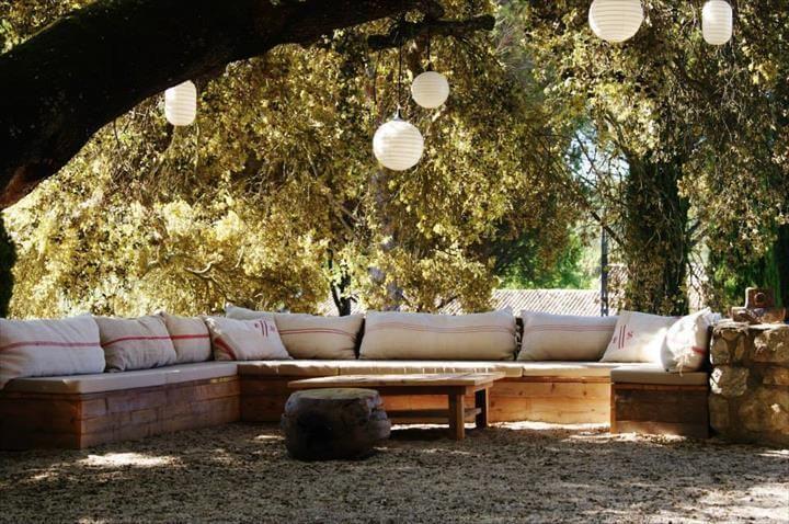 handmade wooden pallet lounge seats