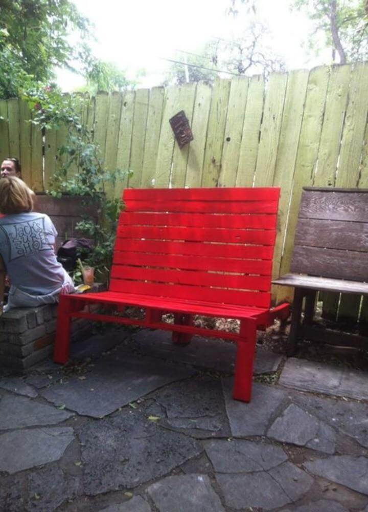 Diy pallet red painted bench lounge chair 99 pallets for Painted outdoor benches