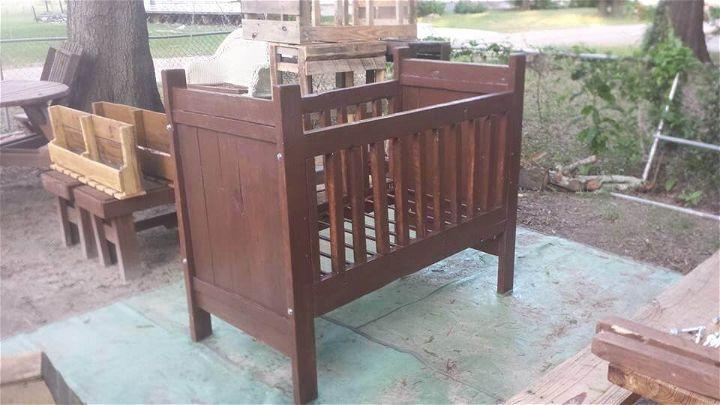 DIY Pallet Crib - Baby Cradle - Infant Bed | 99 Pallets