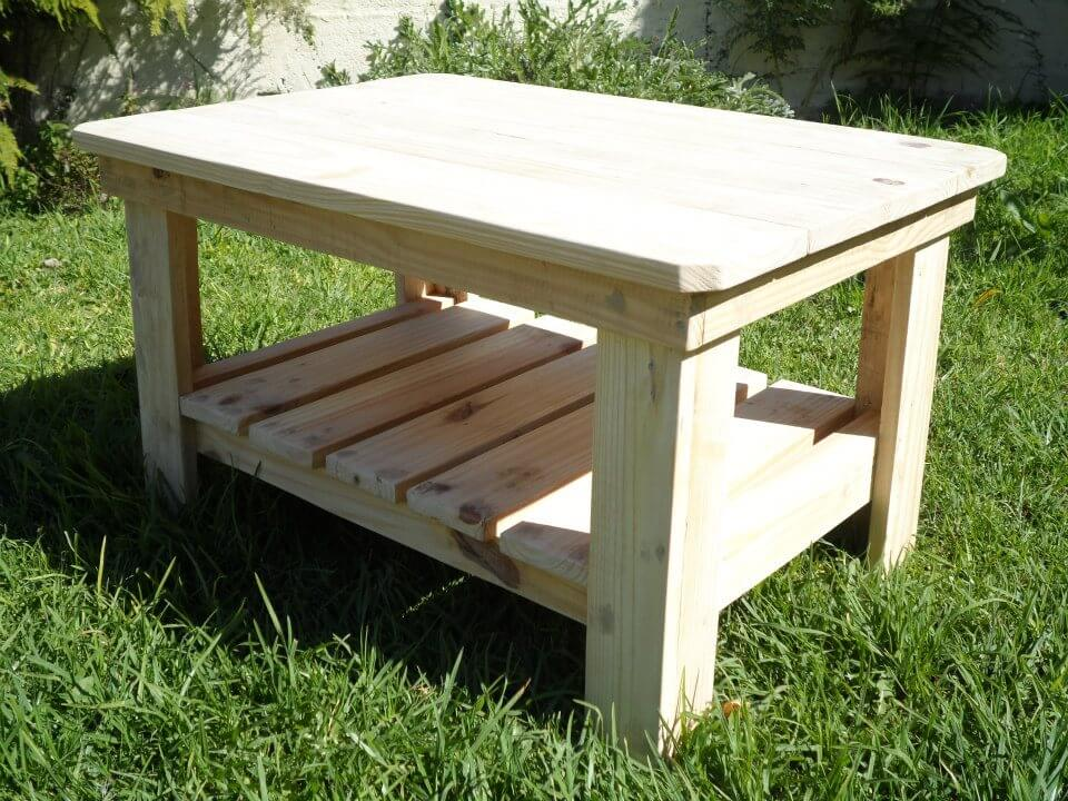 DIY Wood Pallet Coffee Table | 99 Pallets