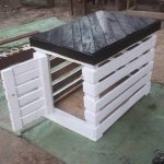 DIY Pallet Black & White Dog Kennel