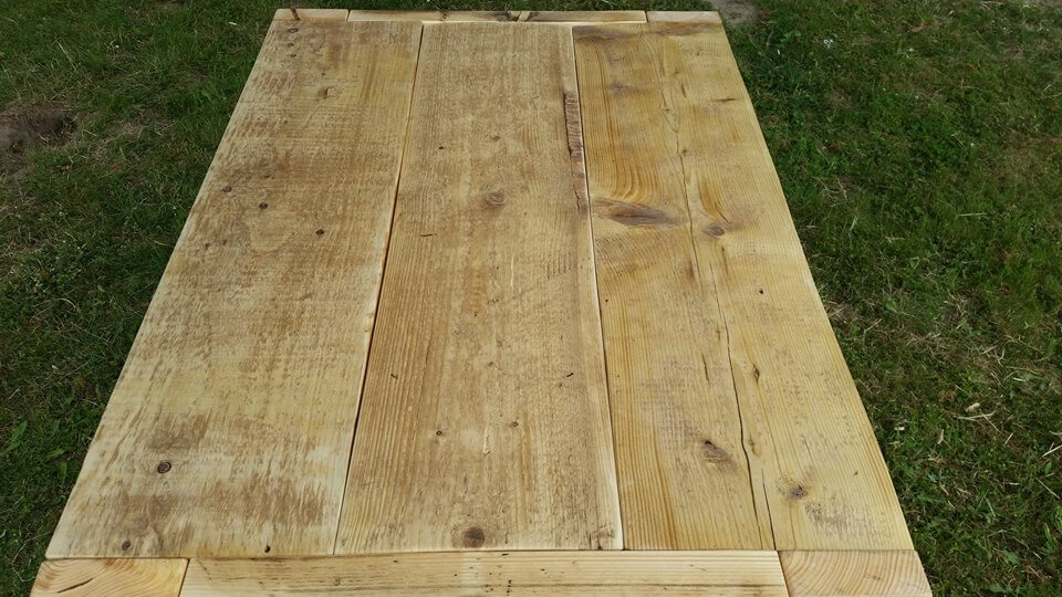 recycled pallet outdoor coffee table