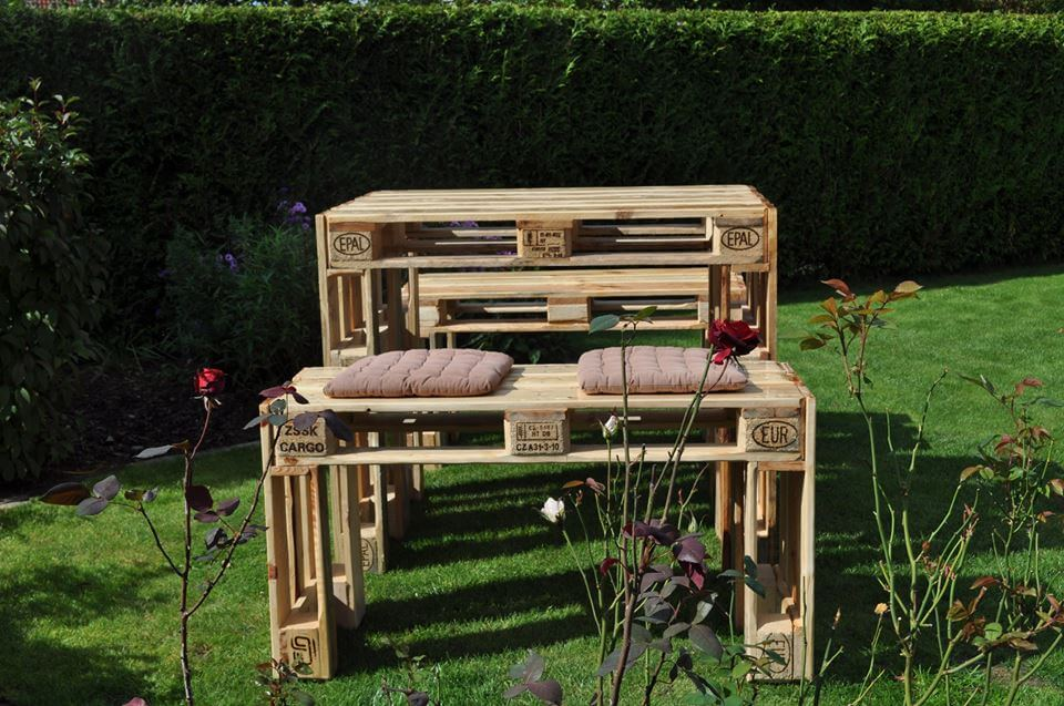 recycled pallet garden set