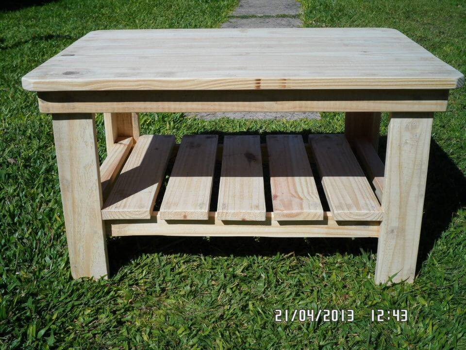 Diy rustic wood coffee table - Natural Bright Wooden Tone Will Be Rocking To Use At Outdoor If You