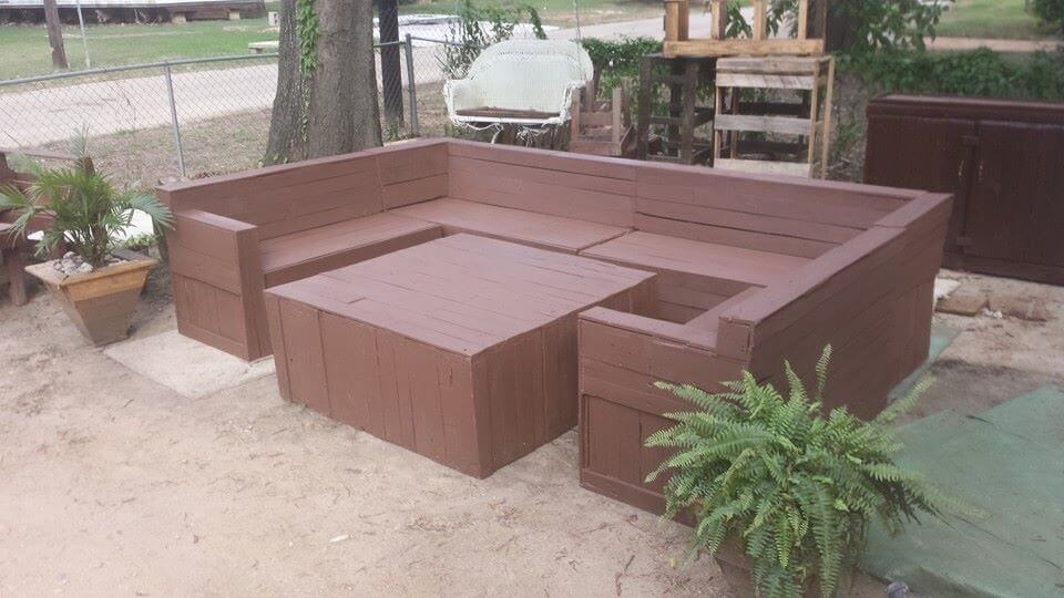 Recycled Pallet Patio Sectional Sofa
