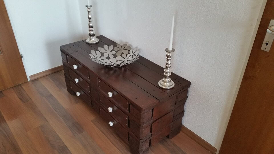 reclaimed pallet chest of drawers and dresser