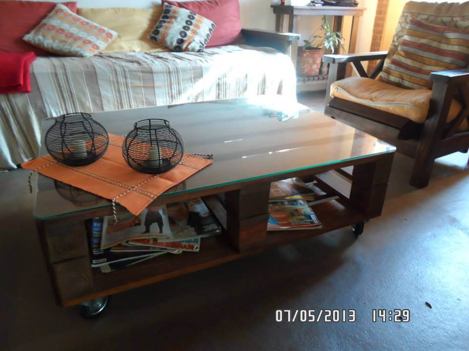 diy wooden pallet coffee table with glass top