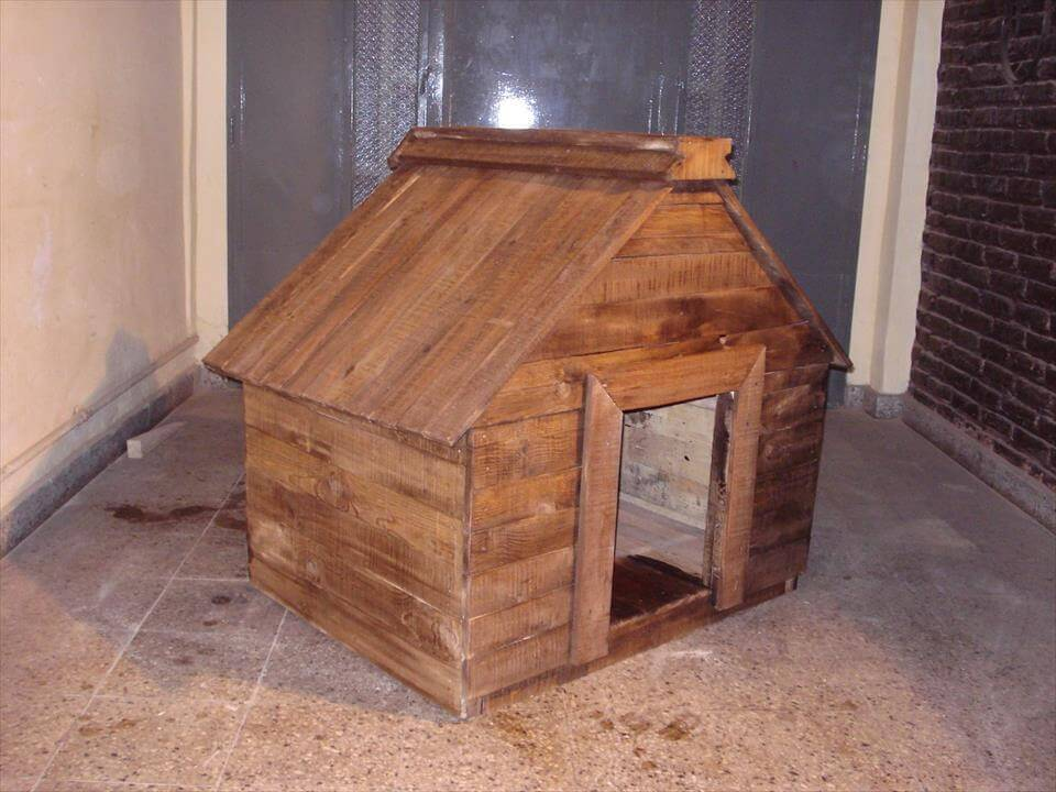 DIY Wood Pallet Dog House Dog Living Style 99 Pallets