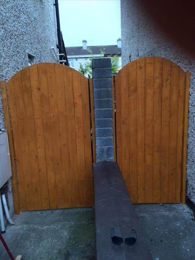 Reclaimed Wood Pallet Entryway Gate