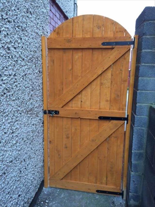 upcycled wooden pallet gate
