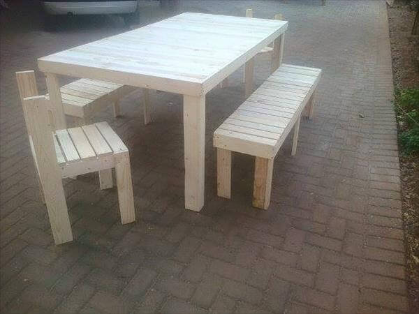 recycled pallet outdoor dinging set