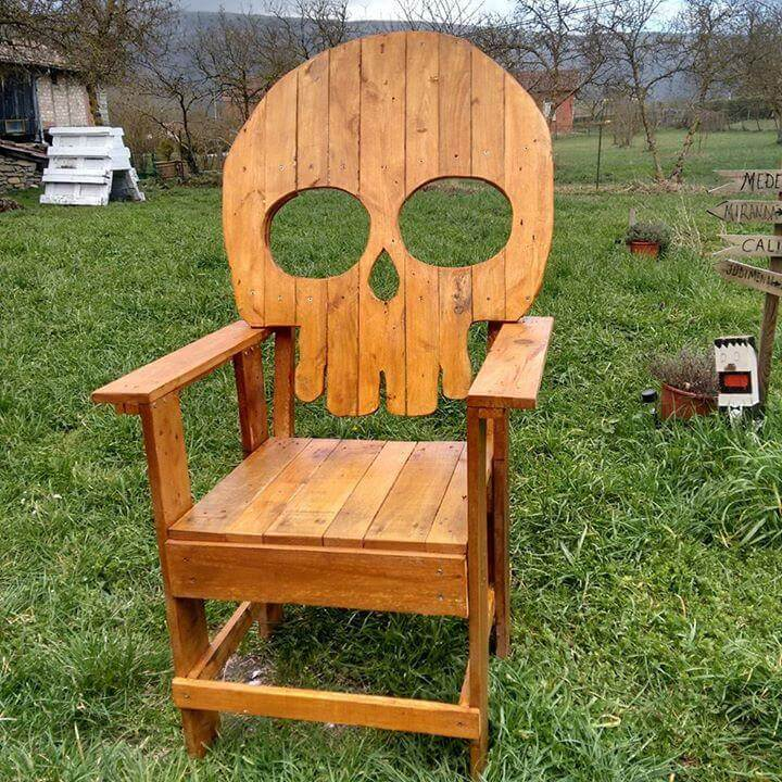 Recycled pallet skull chair
