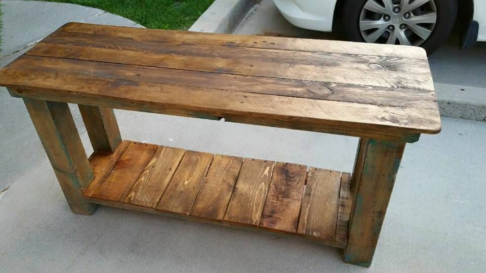 Pallet console table end table sofa table 99 pallets for Sofa table made from pallets