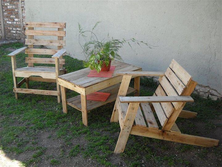 Reclaimed Pallet Patio Furniture Set 99 Pallets