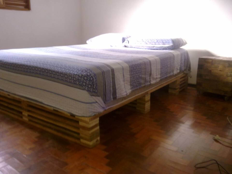 wooden pallet bed with cushion