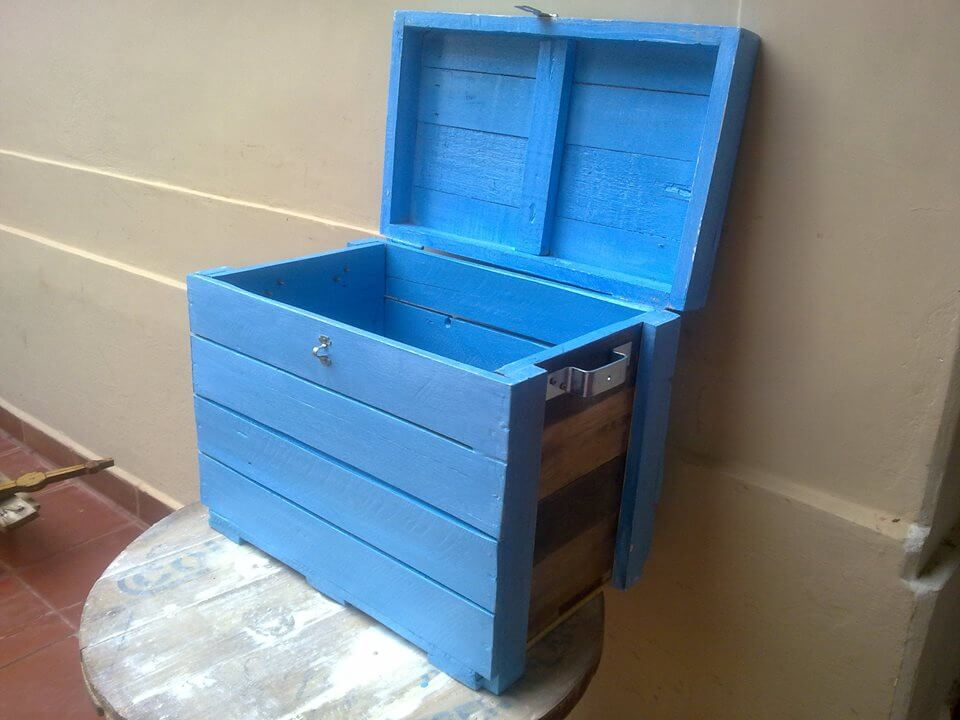 pallet toy box and hope chest