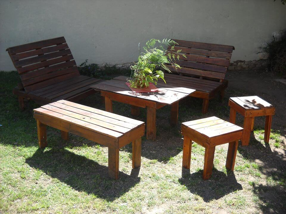 Build Pallet Outdoor Furniture Set; Outdoor Inspired Pallet Patio Furniture