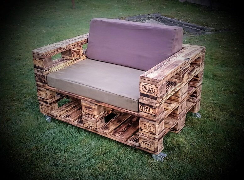 cushioned wooden seat made of pallets