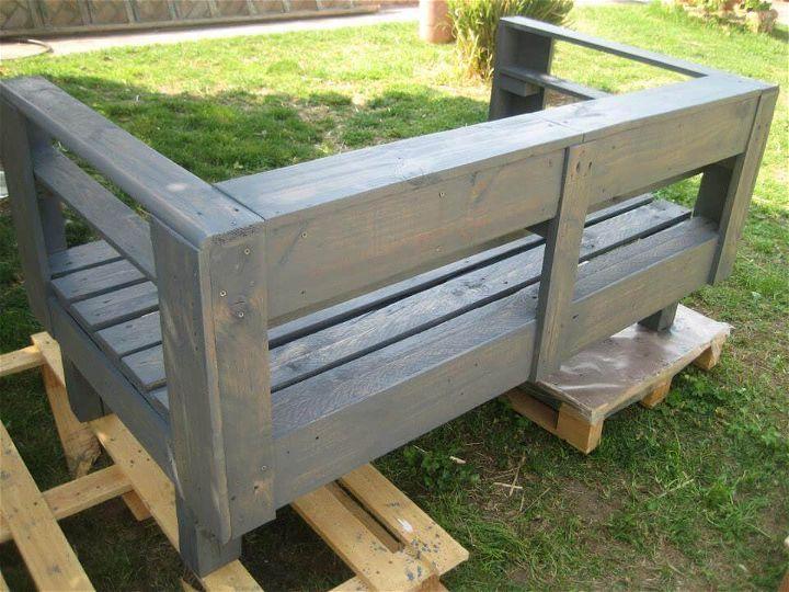 DIY Pallet Wood Garden Bench