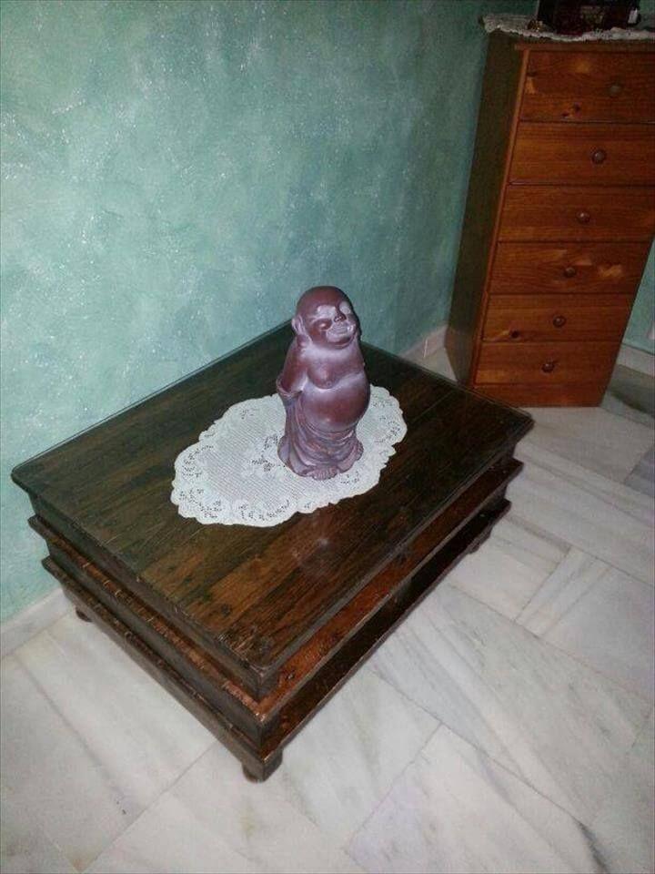 Repurposed pallet vintage inspire coffee table