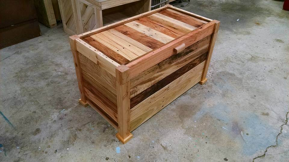 Make a Chest from Pallets | 99 Pallets
