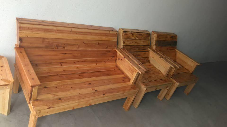 Repurposed pallet complete sitting set for outdoor