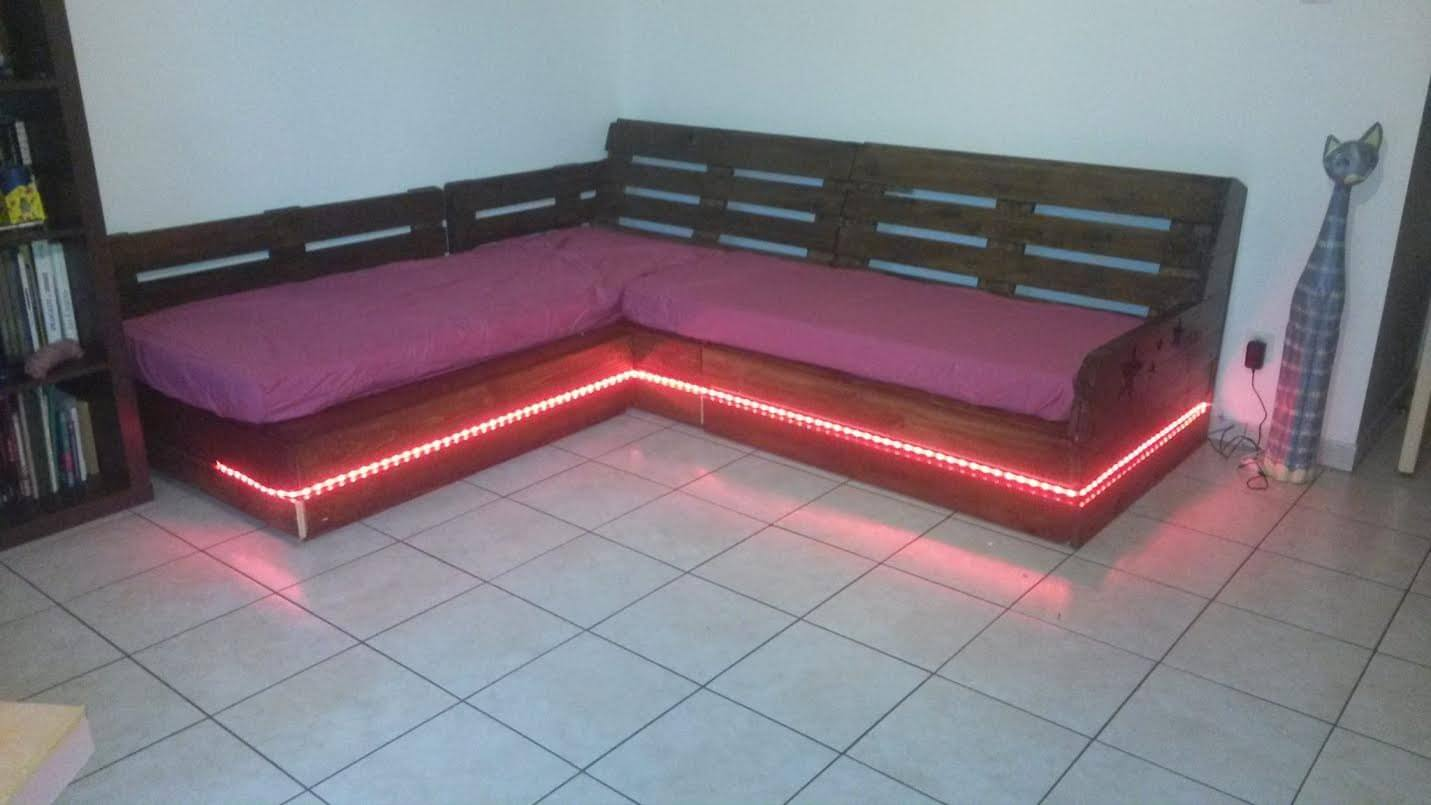 Diy Pallet Sectional Sofa Amp Coffee Table 99 Pallets