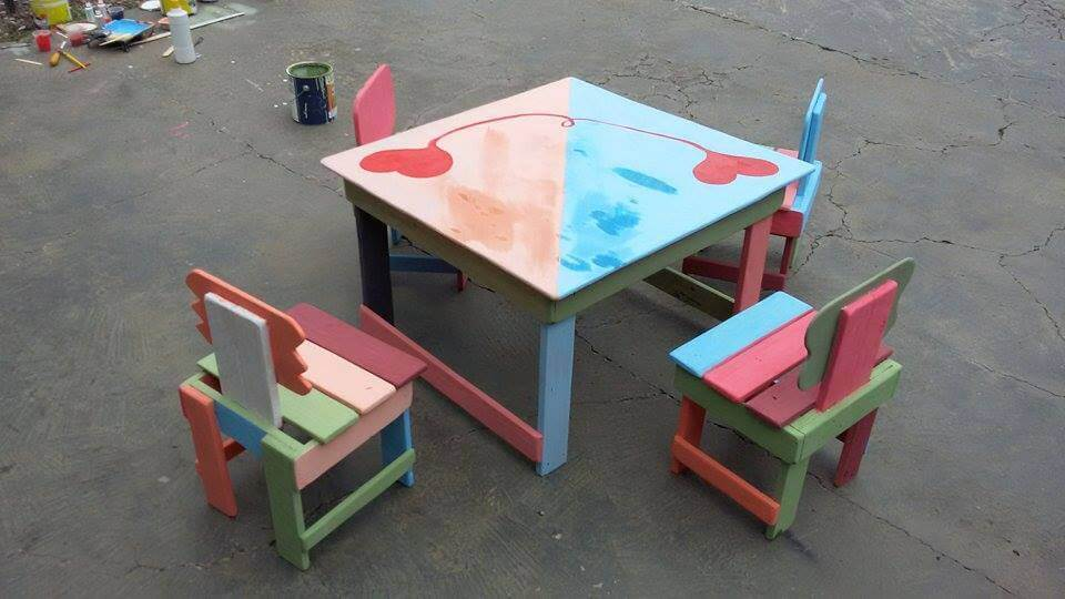 Kids Furniture Made From Pallets 99