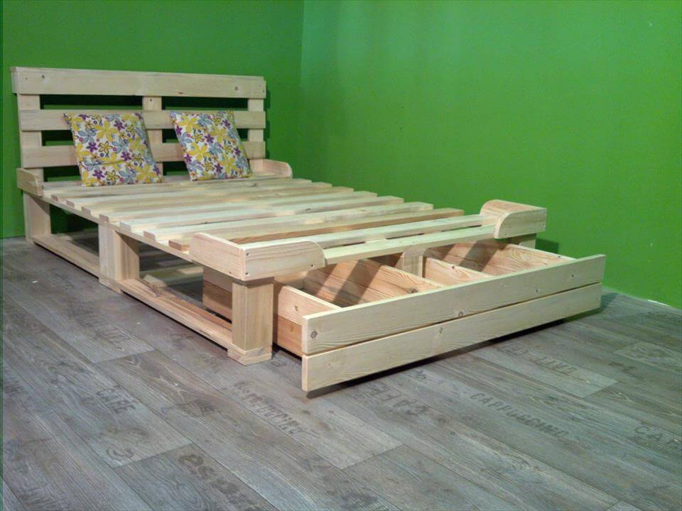 Pallet platform bed with storage 99 pallets for Pallet bed frame with side tables