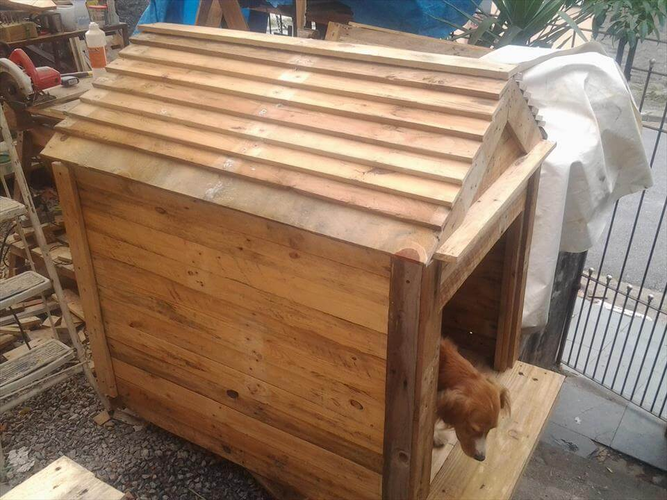 Dog house made out of pallets - How to build a dog house with pallets ...