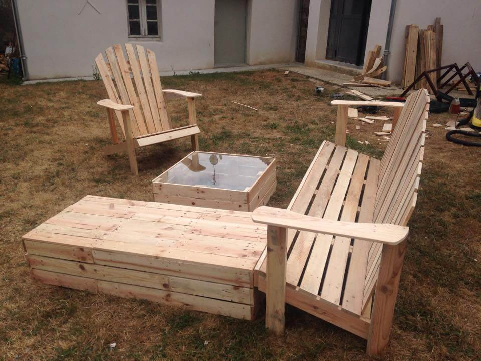 Pallet Outdoor Seating 99 Pallets