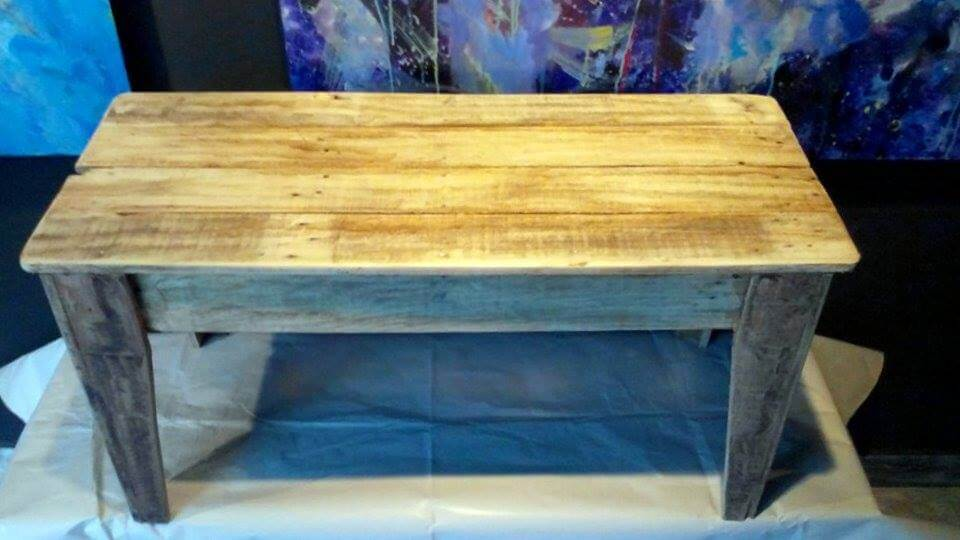 accent pallet rustic coffee table
