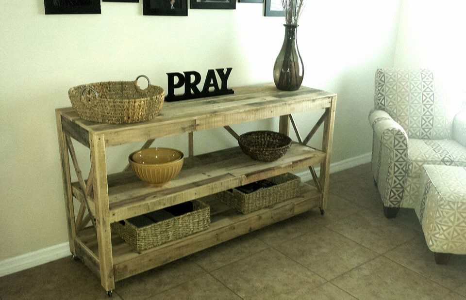 diy pallet console table / sideboard