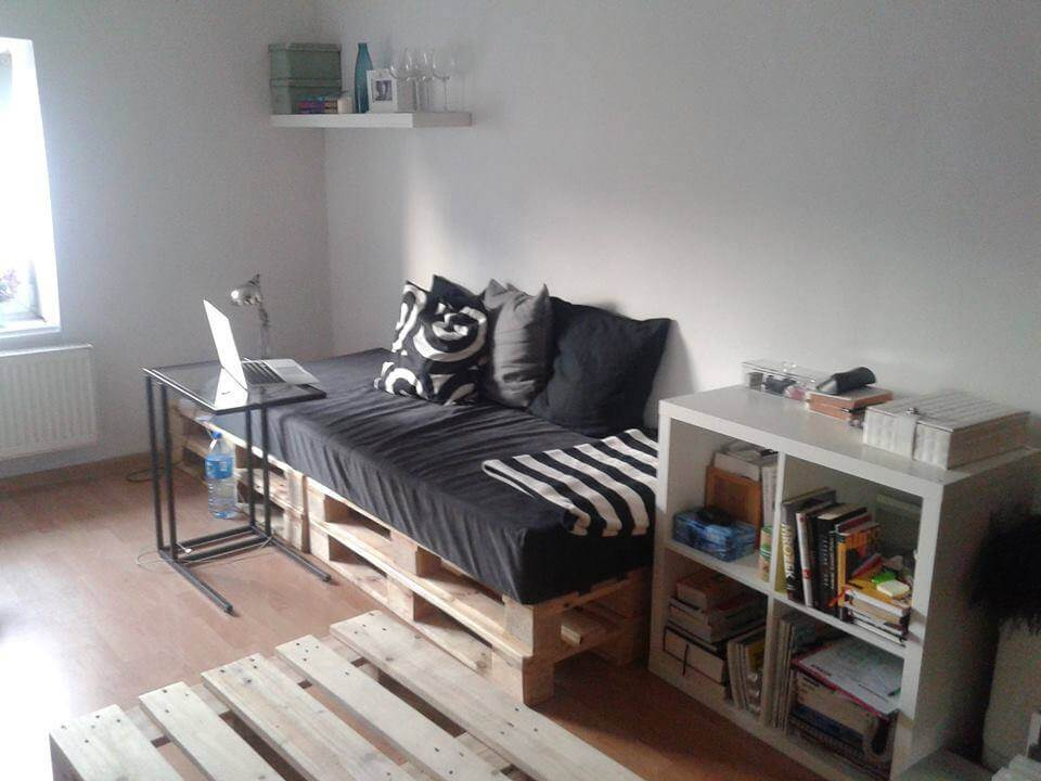 Pallets daybed for How to make a pallet daybed